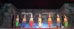 Angkor: spectacle de danse Apsara (Яeиée) Tags: angkorvat angkorthom sanctuaire cambodge asie temples preahkhan taprohm siemreap baphuon bayon angkor khmer architecture patrimoines angkorlamerveilleuse banteaysrei bouddhisme hindouisme fromager takeo phimeanakas banian