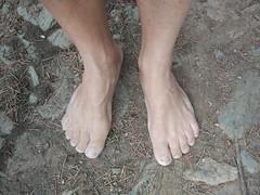 Descalzo en el campo (VIVE DESCALZO) Tags: descalzo barefoot barefooter barfus