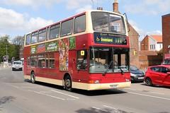 EYMS 587 YX51AYC (aptyldsley) Tags: beverley eastyorkshire eyms plaxtonpresident volvob7 b7tl