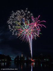 Saratonian Spyder (jimgspokane) Tags: fireworks pyrotechnics spokanewashingtonstate spokaneriver the4thofjuly independenceday
