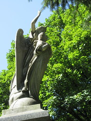 Arms Up Standing Angel Green-Wood 9247 (Brechtbug) Tags: arm up seated angel greenwood cemetery wings and missing hand stone coffin looking away brooklyn nyc 2018 new york city 09012018 statue tomb marker sculpture tombstone graveyard grave yard serenity lady turning grief grieving mourning mourner mourn