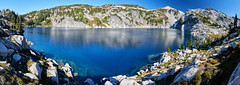 Yet another alpine lake (Photo_Flow) Tags: landscape landschaft mountains berge usa alpinelakewilderness cascades washingtonstate 7dii sigma1838 panorama stitched robinlake mountainlake bergsee 2018 wildnis wilderness backcountry camping