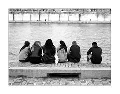 Quai de Seine n. 11 (Franco & Lia) Tags: paris parigi quaideseine photographie de rue fotografia di strada street laseine noiretblanc biancoenero blackandwhite stphotographia
