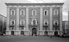 Catania (BeWePa) Tags: italia italie italy catania film analog argentique analogue 135 28mm olympus a xa4 street