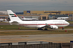 A6-COM Boeing 747-433M (SCD) Dubai Air Wing LHR 08SEP18 (Ken Fielding) Tags: a6com boeing b747433mscd dubaiairwing aircraft airplane airliner jet jetliner vip corporate jumbojet widebody