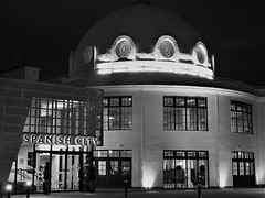 Spanish City - Black and White at Night (Gilli8888) Tags: nikon p900 coolpix whitleybay tyneandwear spanishcity coast northtyneside night nightshots nightlights buildings architecture dome windows light blackandwhite coastal eastcoast seaside