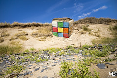 Rubik's cube - Bunker LM+21 1006468 (mich53 - thank you for your comments and 5M view) Tags: rubikscube abandoned plage dunes cube béton graffiti leicamtype240 superelmarm21mmf34asph cielbleu ciel bluesky sable beach normandy cotentin télémètre rangefinder entfernungsmesser vacances 2018 manche