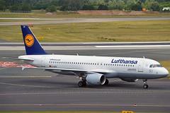 """Schwäbisch Gmünd"" Lufthansa D-AIZD Airbus A320-214 cn/4191 @ EDDL / DUS 16-06-2017 (Nabil Molinari Photography) Tags: schwäbischgmünd lufthansa daizd airbus a320214 cn4191 eddl dus 16062017"
