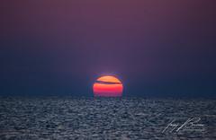 SUN IS SHINING (TONY-BUENO - Barcelona) Tags: sunrise sea sun canon carboneras cabodegata costa 5d 5dmkii 5dmk2 35350 35350ef3556 ocean mar eos