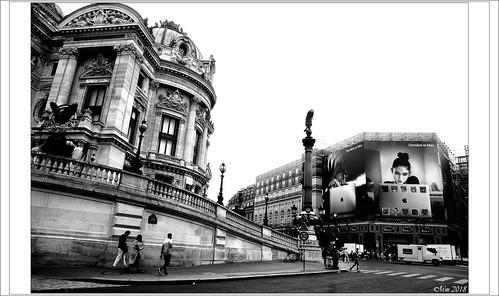 « Derrière le Mac » sur le devant de la scène de l'Opéra.....!!!!