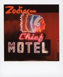 Chief Motel Neon 1