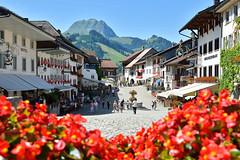 Gruyères (Alfonso Suárez) Tags: alfonsosuárez alfonsosuárezlagares gruyeres gruyere suiza añdea medieval castillo swiss switzerland turismo montaña alpes prealpes friburgo berna grulla