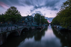 Brouwersgracht (explored 29 August 2018) (Dom Haughton) Tags: city canal brouwersgracht gracht amsterdam holland netherlands sunset pink pinksky evening bridge canoneos70d canon