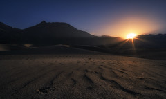 First rays on this cold desert (malhotraXtreme) Tags: leh ladakh himacchal himalayas manali kullu india trip solo pangong nubra valley mountains sony alpha a6000 lens wide landscape nature photography colour astrophotography astro
