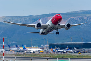 LN-LNA   Norwegian Long Haul   Boeing 787-8 Dreamliner   Barcelona