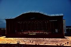 Les Lumières de la Paix (The Multilayered European) Tags: red france concert seineetmarne melun 77