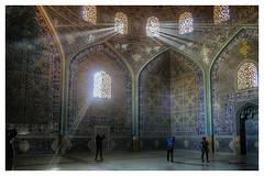 cazadores de luz (bit ramone) Tags: iran isfahan sheikhlotfollah mosque mezquita viajes travel bitramone pentax pentaxk3iii luz light صفهان ispahan sepahan esfahan hispahan