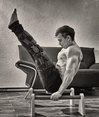 Never give up! (Ernst_P.) Tags: calisthenics sport training deporte entrenamiento sw bw sigma 50mm f14 flash workout art