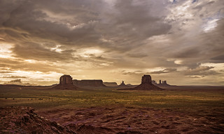 Monument Valley sunset HDR