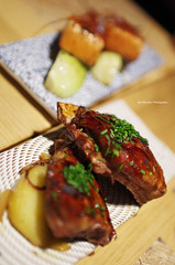 Musume Izakaya Restaurant at Bilbao (Iker Merodio | Photography) Tags: musume izakaya hung fai chiu chi salmon food foodporn pentax k50 sigma 30mm art bilbao bizkaia biscay basque country gastronomy restaurant meat