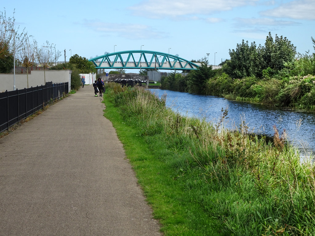 FROM REILLYS BRIDGE TO ASHTOWN ALONG THE ROYAL CANAL WAY [INCLUDING ROYAL CANAL PARK AND RATHBORNE]-143906