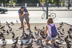 20180921_F0001: What tourists really want see in Syntagma Square (wfxue) Tags: greece athens syntagmasquare square road car birds pigeons people phone mobile camera photographer candid street portrait