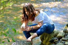 Toujours connectée. (maxguitare1) Tags: nikon france jeunefille younglady ragazza muchacha portrait retrato ritratto river rivière rio fiume eau agua acqua water