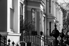 N/B (pi3rreo) Tags: black building noiretblanc white windows urban urbain extérieur london escalier city ville uk voyage immeubles