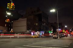 2018 Aout - New York.0032 (hubert_lan562) Tags: new york usa city night light lumiere street rue noir feux trainée pose longue long exposure big apple voiture