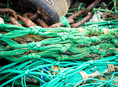 Ropes (S's images) Tags: south devon brixham quay boats ropes knots green rusted absrtact