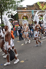 DSC_8343 Notting Hill Caribbean Carnival London Exotic Colourful White and Silver Costume Guys Performers Aug 27 2018 (photographer695) Tags: notting hill caribbean carnival london exotic colourful costume dancing performers aug 27 2018 white silver guys