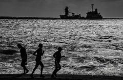 SPORTS ON THE BEACH (TONY-BUENO - Barcelona) Tags: canon carboneras eos 35350 35350ef3556 5d 5dmkii 5dmk2 playa beach bw blancoynegro blackandwhite sunrise sea