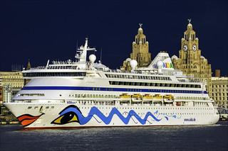 Leaving of Liverpool Aida Aura (2)