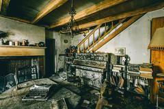 Maison Rico (FR) (maxvnck) Tags: abandoned house decay lost bando piano