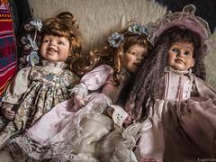 Inquietante (Eugercios) Tags: inquietante disturbing worrisome perturbing perturbador raro miedo terror horror dolls doll muñeca muñecas toys juguetes diabolico diabolica diabolicas diabolical pasado past pomaire chile region metropolitana santiago