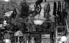 vintage lamps (carles.ml) Tags: olympus om1 kodak tmax 400 film bw