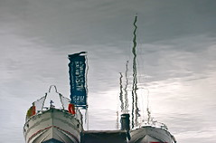 Just Resting (andressolo) Tags: reflection reflections reflejos ripples sea ship ships boat boats barco water mar agua puerto port docks