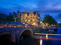 Papeneiland Pub Busy Trails (l.cutolo) Tags: tourism flickr architecture water zeisslens citylights worldtrekker bridge pricengracht amsterdam sky ononeraw holland brouwersgracht citylife city lucacutolo landmark canal flowers ams papeneiland citycentre sunset monument sharp art bracketing intensecolours vignette lighttrails photostacking tlp reflections sonya7ii cityscape ngc europe shy canalboat sony colours hdr world sonyfe2470mmf4zaoss