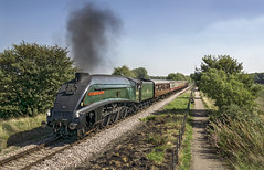 60009 (Geoff Griffiths Doncaster) Tags: 60009 a4 nene valley railway steam train engine castor