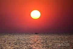 BURNING SUN (TONY-BUENO - Barcelona) Tags: canon eos 35350 35350ef3556 5d 5dmkii 5dmk2 sunrise sea sun sol almeria amanecer mar ocean oceano