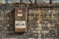 . danger de mort (Ruinenstaat) Tags: ruinenstaat tumraneedi abandoned urbex lostplace decay