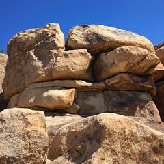 Big Mac Rock (PeterCH51) Tags: joshuatreenationalpark jtnp nationalpark california usa america rockformation redrocks rocks landscape geology iphone peterch51 hiddenvalley sandwichrock