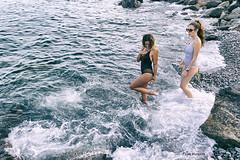 AMIGAS - FRIENDS (Pepa Morente ( 2.400.000 de VISITAS )) Tags: verano summer life vida juventud playa orilla arena alegría mujer jóvenes