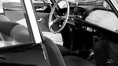 Citroën (Tiebell@) Tags: citroën museum bnw monochroom cars castellane