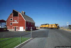 Don Thornley's Barn (jamesbelmont) Tags: unionpacific cachevalleylocal emd gp392 delmotespur smithfield utah donthornley barn rural caboose ca11 crew railroad railway train