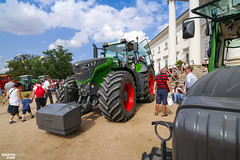 FENDT 1050 Vario (martin_king.photo) Tags: fendt fendtglobal fendtpower fendt1000vario fendtfans kačina fendt1050vario 1050 summerwork powerfull martin king photo machines strong agricultural greatday great czechrepublic welovefarming agriculturalmachinery farm workday working modernagriculture landwirtschaft martinkingphoto machine machinery field huge big sky agriculture tschechische republik power dynastyphotography lukaskralphotocz day fans work people visitors michelin