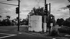 phx 00977 (m.r. nelson) Tags: phoenix arizona az america southwest usa mrnelson marknelson markinaz streetphotography urban urbanlandscape artphotography newtopographic documentaryphotography blackwhite bw monochrome blackandwhite