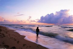 If there's (gusdiaz) Tags: ftlauderdale nature naturephotography sunrise amanecer vacaciones wife model esposa modelo hermosa bella sand arena beach playa mar ocean oceano colorful beautiful waves olas colorido nubes sky clouds cielo tropical stunning