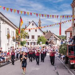 Winzerfest_Umzug_038 (alexanderanlicker) Tags: auggen badenwürttemberg breisgauhochschwarzwald deutschland europa trachtenundbrauchtumsumzug umzug wein weinfest winzerfest winzerfestumzug
