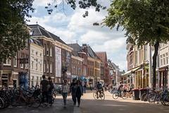 Brugstraat (Jeroen Hillenga) Tags: groningen stad straat street streetwise straatfotografie streetphotography city cityscape brugstraat akerkhof netherlands nederland